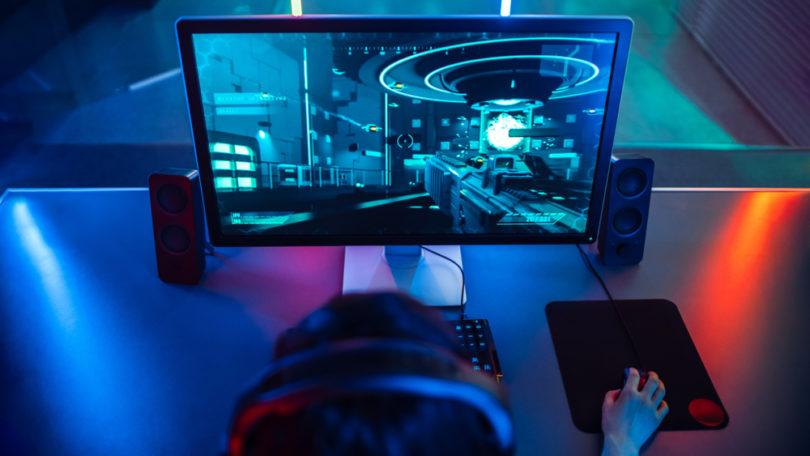 streaming gamer